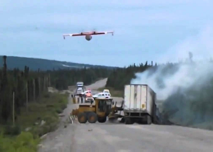 Watch How The Pilot Puts Out The Fire On A Semi-Trailer Truck