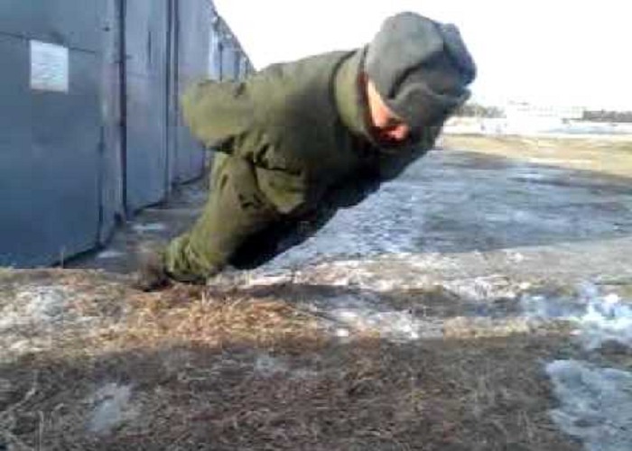 This Is How Russian Soldiers Do Push Ups Without Using Hands