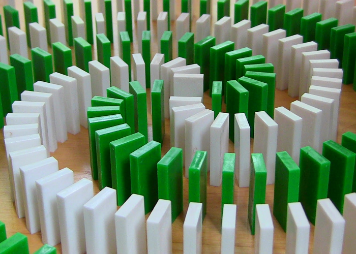 Watch And Enjoy This Insane Domino Tricks
