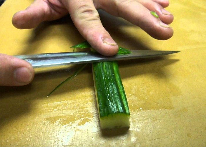 This Guy Has Very Fast And Precise Cutting Skills
