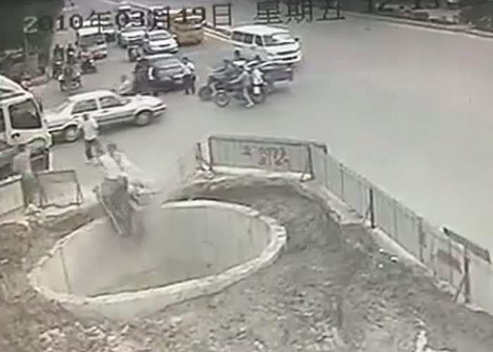 Look At This Man Crashing His Scooter Multiple Times