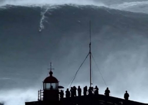 Look At The Biggest Wave In The World Surfed 100ft