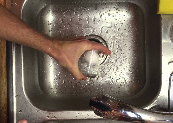 Learn How To Quickly Peel A Boiled Egg In A Glass Of Water